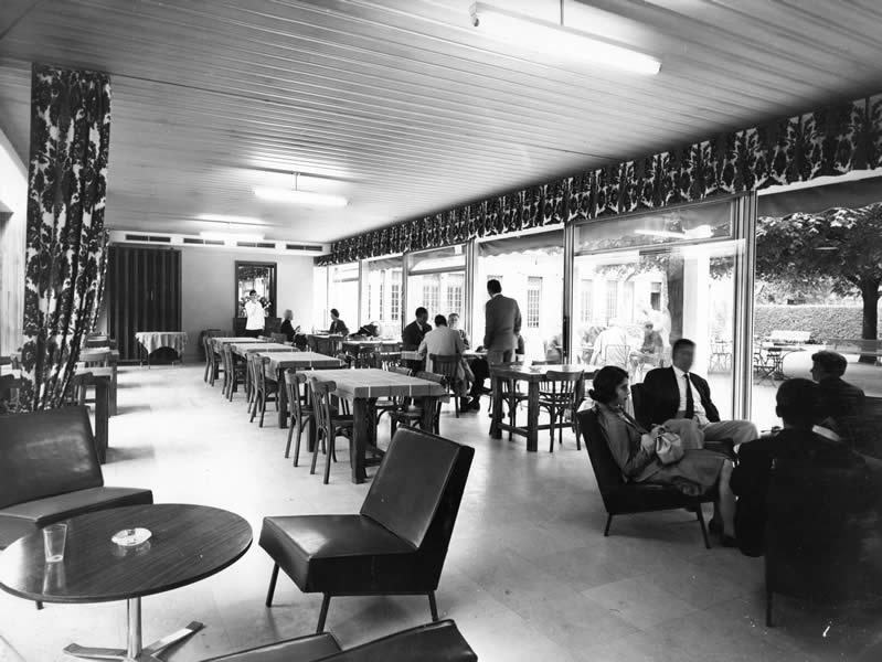 1965-restaurant-799x600