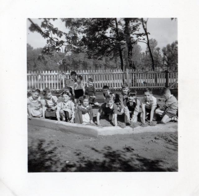 Juin 1951... Un nouveau jardin d'enfants est créé au TCL