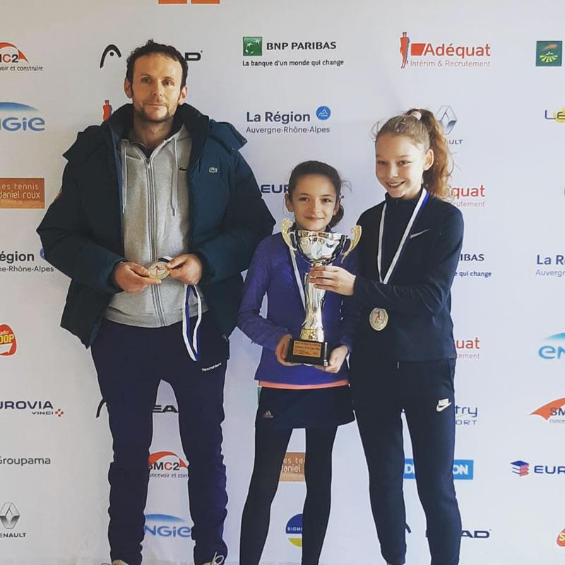 Championnes de ligue 11/12 ans Jean-Hubert, Eloïse et Romane