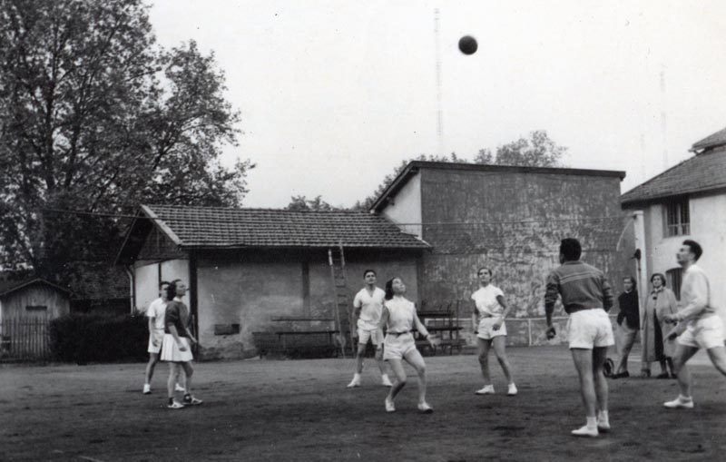 TCL (6) Le volley ball - juin 1951 (recto)